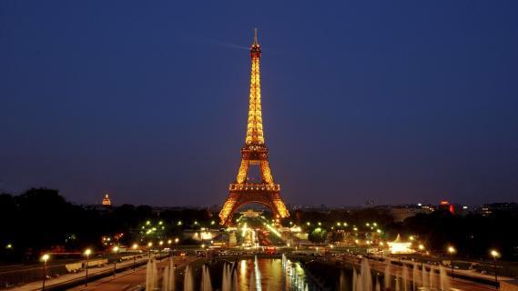 FRANCE : Tour Eiffel sous haute tension dans Actualité 1806203