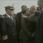 Le Président Boudiaf accueilli par l'armée et Toufik en 1992