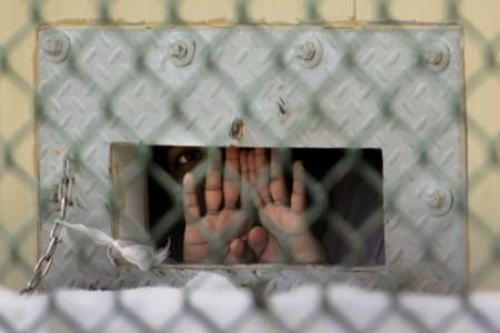 Guantanamo: 100 détenus aujourd'hui en grève de la faim dans Confidences 1312524020_b97398865z.1_20130427165053_000_gmenuco1.2-0