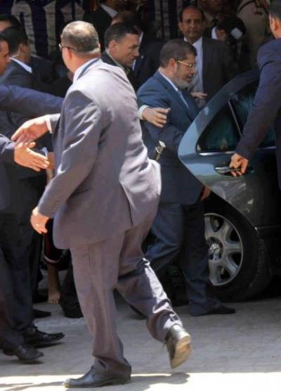 URGENT : Le Président Mohamed Morsi cible d'un attentat. dans Flash - Scoop 243968_large
