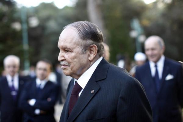 Honte à Bouteflika… dans Actualité bouteflika_0