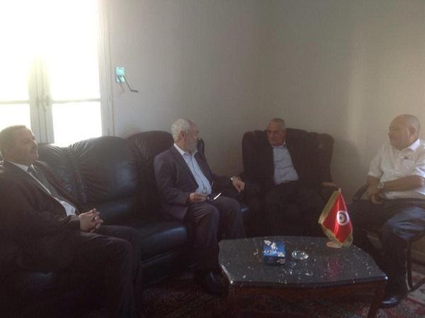 Tunisie : Ennahdha accepte l'initiative de l'UGTT   dans Actualité reunion-ghannouchi-abassi-22-08-2013-photo-ugtt