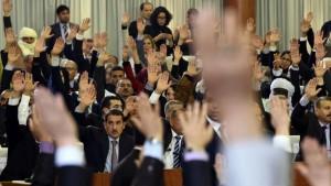 Sans aucune surprise et comme il fallait bien s'y attendre, les parlementaires Algériens ont rejeté, avec la grande majorité, le texte de la nouvelle Constitution, proposé par le Président Abdelaziz Bouteflika